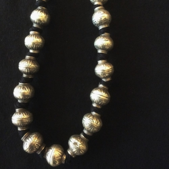 Neklace beads in silver